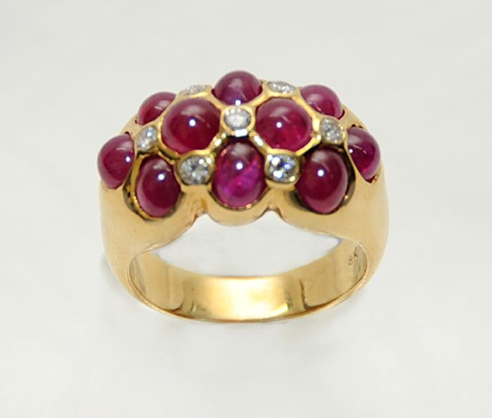 δαχτυλίδι με κόκκινα ρουμπίνια