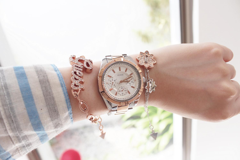 χρυσό γυναικείο ρολόι με πέτρες