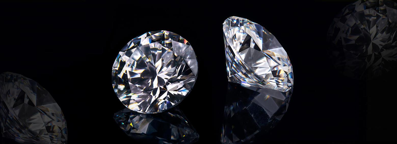 τεράστια λαμπερά διαμάντια